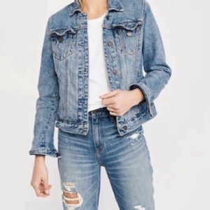 Abercrombie & Fitch Light Wash Classic Jean Jacket